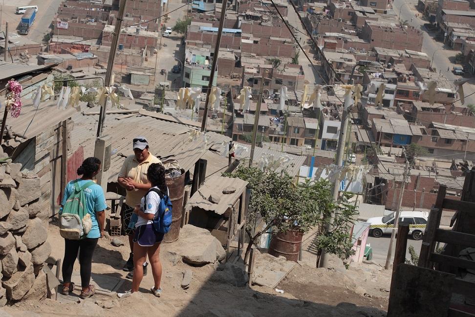 Perú es otro de los países donde la realidad de los asentamientos informales se hace visible. Foto: TECHO.