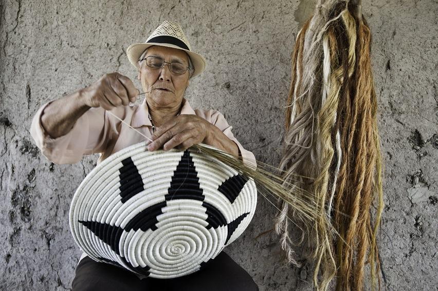 Las mujeres de Tenjo son capaces de transformar la realidad y crear tradición, memoria y cultura. Reportaje gráfico: Macarena Soto.