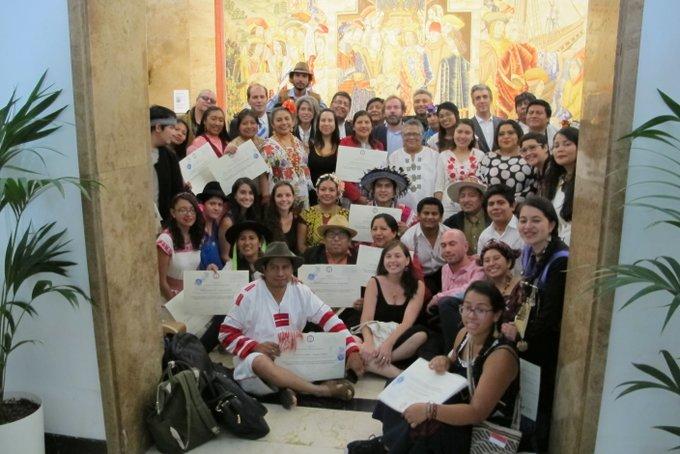 Jóvenes de comunidades originarias se gradúan como expertos