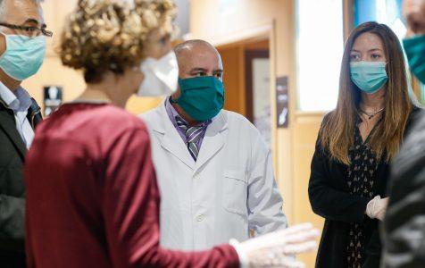 Una de las medidas sanitarias fue solicitar la asistencia de personal médico a través del programa de cooperación con Cuba
